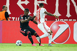 16.09.2015, Karaiskakis Stadium, Piräus, GRE, UEFA CL, Olympiakos Piräus vs FC Bayern München, Gruppe F, im Bild l-r: im Zweikampf, Aktion, mit Douglas Costa #11 (FC Bayern Muenchen) und Felipe Pardo #90 (Olympiakos Piraeus) // during UEFA Champions League group F match between Olympiacos F.C. and FC Bayern Munich at the Karaiskakis Stadium in Piräus, Greece on 2015/09/16. EXPA Pictures © 2015, PhotoCredit: EXPA/ Eibner-Pressefoto/ Kolbert<br /> <br /> *****ATTENTION - OUT of GER*****