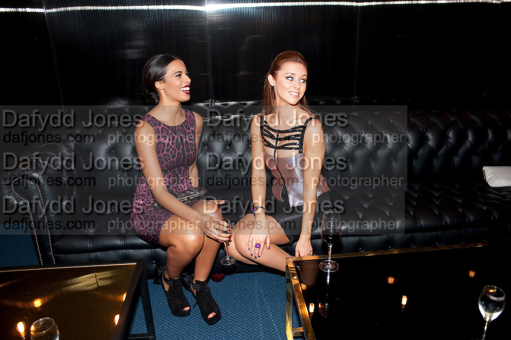 ROCHELLE WIESMAN; UNA HEALY; SATURDAYS, GQ Men of the Year awards. The royal Opera House. Covent Garden. London. 6 September 2011. <br /> <br />  , -DO NOT ARCHIVE-© Copyright Photograph by Dafydd Jones. 248 Clapham Rd. London SW9 0PZ. Tel 0207 820 0771. www.dafjones.com.