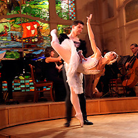 Europe, Russia, St. Petersburg. Ballet Performance at L'Europe Restaurant at the Grand Hotel Europe.