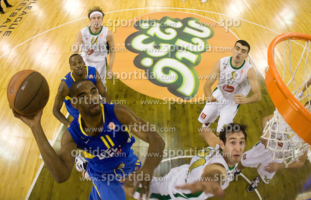 Alan Anderson of Maccabi and Vladimir Golubovic (21) of Olimpija  at Euroleague basketball match in 6th Round of Group C between KK Union Olimpija and Maccabi Tel Aviv, on December 3, 2009, in Arena Tivoli, Ljubljana, Slovenia. (Photo by Vid Ponikvar / Sportida)