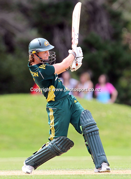 Leah Poulton in action for Australia.<br /> Cricket - Rosebowl Series. Twenty20 International - New Zealand White Ferns v Australia, 20 February 2011, Queens Park, Invercargill, New Zealand.<br /> Photo: Rob Jefferies / www.photosport.co.nz