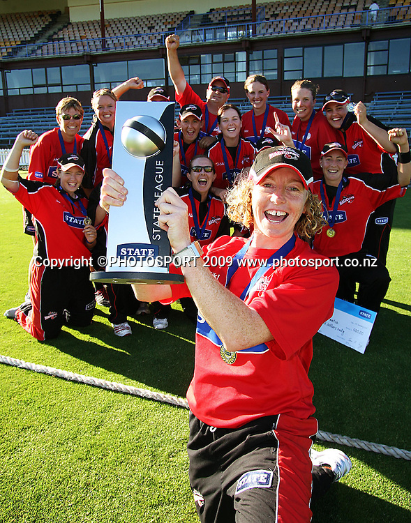 Canterbury captain Haidee Tiffen and her team celebrate winning the 2009 State League trophy.<br /> State League final. Wellington Blaze v Canterbury Magicians at Allied Prime Basin Reserve, Wellington. Saturday, 24 January 2009. Photo: Dave Lintott/PHOTOSPORT