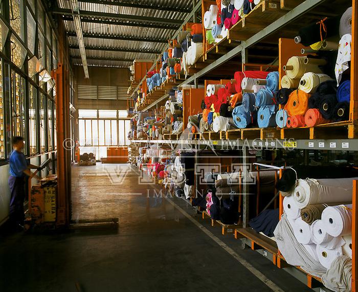 Industria textil, Estoque de tecidos na Hering, Blumenau, Santa Catarina, Brasil, 00/00/2003 foto de Ze Paiva/Vista Imagens