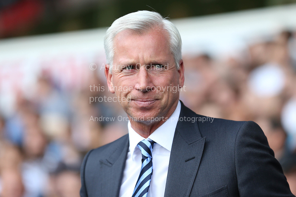 Alan Pardew, the Crystal Palace manager looks on before k/o. Premier league match, Tottenham Hotspur v Crystal Palace at White Hart Lane in London on Saturday 20th August 2016.<br /> pic by John Patrick Fletcher, Andrew Orchard sports photography.