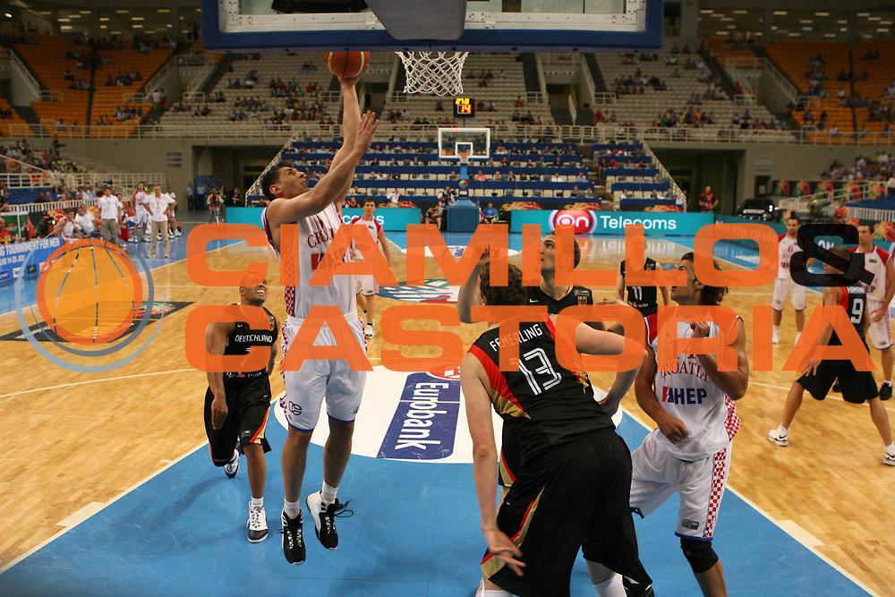 DESCRIZIONE : Atene Athens 2008 Fiba Olympic Qualifying Tournament For Men <br /> Germania Croazia Germany Croatia<br /> GIOCATORE : Nikola Prkacin<br /> SQUADRA : Croazia<br /> EVENTO : 2008 Fiba Olympic Qualifying Tournament For Men <br /> GARA : Germania Croazia Germany Croatia<br /> DATA : 19/07/2008 <br /> CATEGORIA : Tiro<br /> SPORT : Pallacanestro <br /> AUTORE : Agenzia Ciamillo-Castoria/G. Ciamillo<br /> Galleria : 2008 Fiba Olympic Qualifying Tournament For Men<br /> Fotonotizia : Atene Athens 2008 Fiba Olympic Qualifying Tournament For Men <br /> Germania Croazia Germany Croatia<br /> Predefinita :