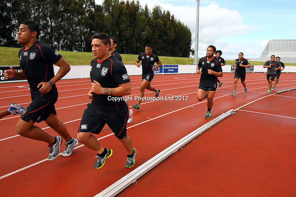 Kevin Locke, Track Session, The Vodafone Warriors begin their training ahead of the 2013 NRL rugby league season. Millennium Institute of Sport and Health, Albany, Auckland. 5 November 2012. Photo: William Booth/photosport.co.nz