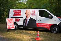 DEU, Deutschland, Germany, Woltersdorf, 01.08.2019: Werbung an einem Auto für Brandenburgs Ministerpräsident Dr. Dietmar Woidke (SPD) bei einer Wahlkampfveranstaltung der SPD am Aussichtsturm Woltersdorf.