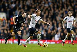 Harry Kane of Tottenham Hotspur in action - Photo mandatory by-line: Rogan Thomson/JMP - 07966 386802 - 30/11/2014 - SPORT - FOOTBALL - London, England - White Hart Lane - Tottenham Hotspur v Everton - Barclays Premier League.