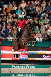 SCHWIZER Pius (SUI), Living The Dream<br /> Leipzig - Partner Pferd 2019<br /> Longines FEI Jumping World Cup<br /> Qualifikation CSI-W<br /> 18. Januar 2019<br /> © www.sportfotos-lafrentz.de/Stefan Lafrentz