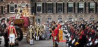 Nederland. Den Haag, 21 september2010.<br /> <br /> Prinsjesdag, gouden koets, opening parlementaire jaar, politiek, binnenhof, democratie, monarchie<br /> Foto Martijn Beekman