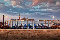 Venedig kann künftig eine Art Eintrittsgeld von Tagestouristen kassieren. Besucher könnten dann je nach Saison zwischen 2,50 Euro und maximal 10 Euro für die Besichtigung Stadt bezahlen.