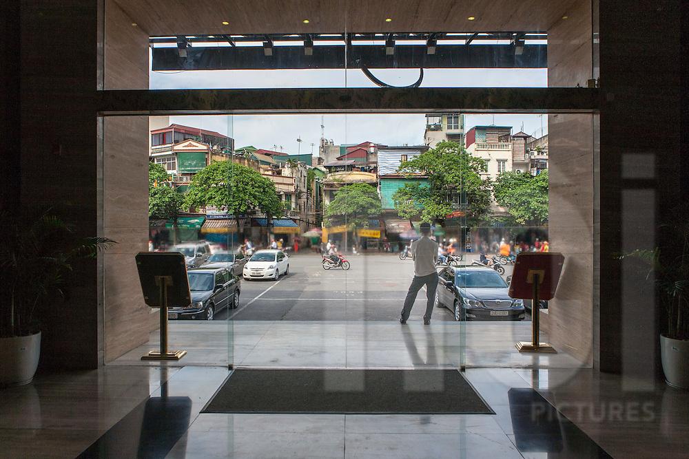 Entrance of Hang Da market, Hanoi, Vietnam, Southeast Asia