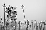 Statue at small Hindu shrine above Dambetenne estate.