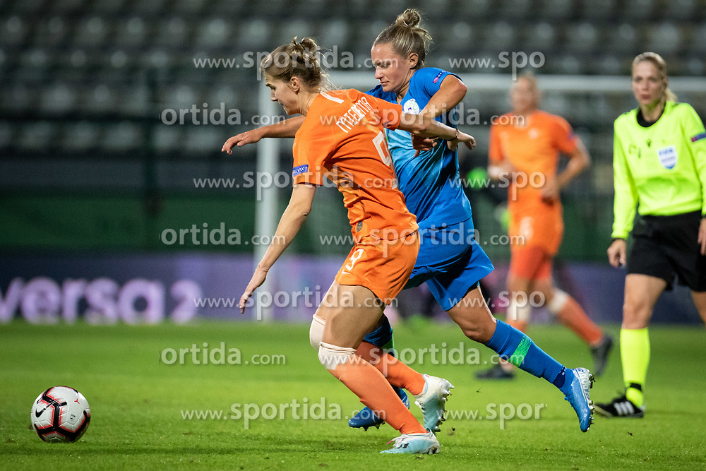 Vivianne Miedema of Nederland and Dominika Čonč of Sloveniaduring football match between Slovenia and Nederland in qualifying Round of Woman's qualifying for EURO 2021, on October 5, 2019 in Mestni stadion Fazanerija, Murska Sobota, Slovenia. Photo by Blaž Weindorfer / Sportida
