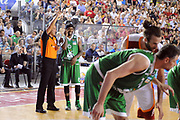 DESCRIZIONE : Roma Lega A 2012-2013 Acea Roma Montepaschi Siena  playoff finale gara 2<br /> GIOCATORE : Bobby Brown Tolga Sahin<br /> CATEGORIA : FairPlay Arbitro Curiosita<br /> SQUADRA : Montepaschi Siena<br /> EVENTO : Campionato Lega A 2012-2013 playoff finale gara 2<br /> GARA : Acea Roma Montepaschi Siena<br /> DATA : 13/06/2013<br /> SPORT : Pallacanestro <br /> AUTORE : Agenzia Ciamillo-Castoria/Max.Ceretti<br /> Galleria : Lega Basket A 2012-2013  <br /> Fotonotizia : Roma Lega A 2012-2013 Acea Roma Montepaschi Siena playoff finale gara 2<br /> Predefinita :