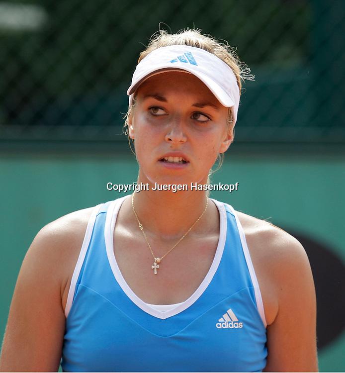 French Open 2009, Roland Garros, Paris, Frankreich,Sport, Tennis, ITF Grand Slam Tournament,  Sabine Lisicki(GER) veraergert..Foto: Juergen Hasenkopf