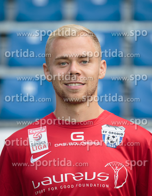 15.09.2015, Das Goldberg Stadion, Groedig, AUT, 1. FBL, Fototermin SV Groedig, im Bild Alexander Schlager (SV Groedig) // during the official Team and Portrait Photoshoot of Austrian Football Bundesliga Team SV Groedig at the Das Goldberg Stadion, Groedig, Austria on 2015/09/15. EXPA Pictures © 2015, PhotoCredit: EXPA/ JFK