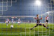 DOETINCHEM, de Graafschap - PSV, voetbal, Eredivisie seizoen 2015-2016, 31-10-2015, Stadion De Vijverberg, PSV speler Davy Propper (R) scoort de 0-1, De Graafschap keeper Hidde Jurjus (2R) is kansloos.