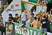 DESCRIZIONE : Campionato 2013/14 Finale GARA 4 Montepaschi Mens Sana Siena - Olimpia EA7 Emporio Armani Milano<br /> GIOCATORE : Ultras Siena Brigata<br /> CATEGORIA : Pubblico Tifosi Ultras<br /> SQUADRA : Montepaschi Siena<br /> EVENTO : LegaBasket Serie A Beko Playoff 2013/2014<br /> GARA : Montepaschi Mens Sana Siena - Olimpia EA7 Emporio Armani Milano<br /> DATA : 21/06/2014<br /> SPORT : Pallacanestro <br /> AUTORE : Agenzia Ciamillo-Castoria / Luigi Canu<br /> Galleria : LegaBasket Serie A Beko Playoff 2013/2014<br /> Fotonotizia : DESCRIZIONE : Campionato 2013/14 Finale GARA 4 Montepaschi Mens Sana Siena - Olimpia EA7 Emporio Armani Milano<br /> Predefinita :