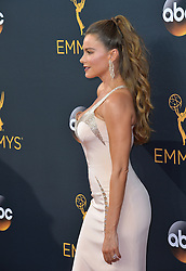 Sofia Vergara bei der Verleihung der 68. Primetime Emmy Awards in Los Angeles / 180916<br /> <br /> *** 68th Primetime Emmy Awards in Los Angeles, California on September 18th, 2016***