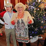 NLD/Amsterdam/20101208 - Skyradio Christmas Tree for Charity 2010, Karin Bloemen en Selwyn Senatori