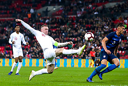 Wayne Rooney of England reaches for the ball - Mandatory by-line: Robbie Stephenson/JMP - 15/11/2018 - FOOTBALL - Wembley Stadium - London, England - England v United States of America - International Friendly