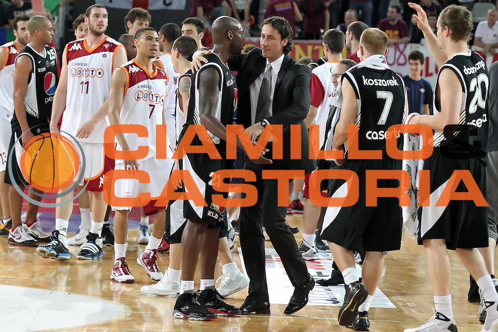 DESCRIZIONE : Roma Lega A 2009-10 Playoff Quarti di Finale Gara 3 Lottomatica Virtus Roma Pepsi Caserta <br /> GIOCATORE : Claudio Coldebella Ebi Ere<br /> SQUADRA : Pepsi Caserta<br /> EVENTO : Campionato Lega A 2009-2010 <br /> GARA : Lottomatica Virtus Roma Pepsi Caserta<br /> DATA : 25/05/2010<br /> CATEGORIA : esultanza<br /> SPORT : Pallacanestro <br /> AUTORE : Agenzia Ciamillo-Castoria/ElioCastoria<br /> Galleria : Lega Basket A 2009-2010 <br /> Fotonotizia : Roma Lega A 2009-10 Playoff Quarti di Finale Gara 3 Lottomatica Virtus Roma Pepsi Caserta <br /> Predefinita :