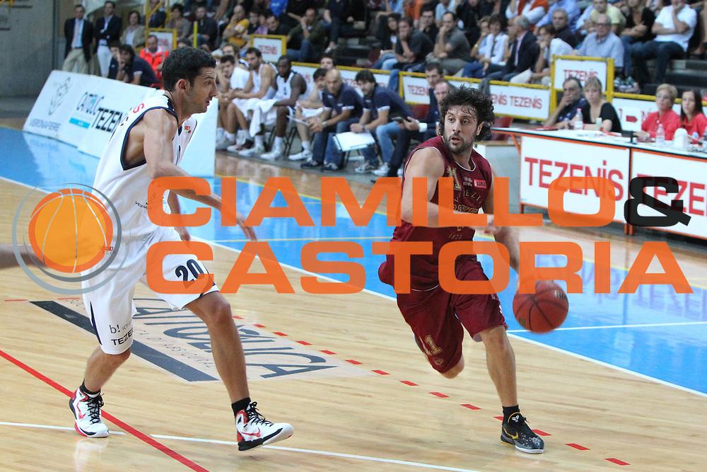 DESCRIZIONE : Verona Lega Basket A2 2011-12 Tezenis Verona Umana Venezia<br /> GIOCATORE : Guido Meini<br /> SQUADRA : Tezenis Verona Umana Venezia <br /> EVENTO : Coppa Italia Lega A2 Ottavi di Finale 2011-2012<br /> GARA : Tezenis Verona Umana Venezia <br /> DATA : 22/09/2011<br /> CATEGORIA : Penetrazione<br /> SPORT : Pallacanestro <br /> AUTORE : Agenzia Ciamillo-Castoria/G.Contessa<br /> Galleria : Lega Basket A2 2011-2012 <br /> Fotonotizia : Verona Lega A2 2011-12 Tezenis Verona Umana Venezia<br /> Predefinita :