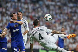 13.05.2015, Estadio Santiago Bernabeu, Madrid, ESP, UEFA CL, Real Madrid vs Juventus Turin, Halbfinale, R&uuml;ckspiel, im Bild Real Madrid&acute;s /rm and Juventus&acute;s // during the UEFA Champions League semi finals 2nd Leg match between Real Madrid CF and Juventus FC at the Estadio Santiago Bernabeu in Madrid, Spain on 2015/05/13. EXPA Pictures &copy; 2015, PhotoCredit: EXPA/ Alterphotos/ Victor Blanco<br /> <br /> *****ATTENTION - OUT of ESP, SUI*****