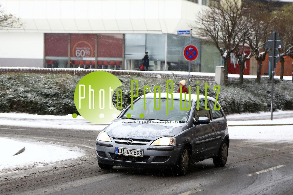 Ludwigshafen. 29.12.14 Wetter in Ludwigshafen. Winterwetter. Winter in Ludwigshafen. Feature<br /> <br /> Bild: Markus Pro&szlig;witz 29DEC14 / masterpress