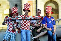 GEPA-2006087351 - WIEN,AUSTRIA,20.JUN.08 - FUSSBALL - UEFA Europameisterschaft, EURO 2008, Host City Fan Zone, Fanmeile, Fan Meile, Public Viewing. Bild zeigt Fans von Kroatien.<br />Foto: GEPA pictures/ Reinhard Mueller