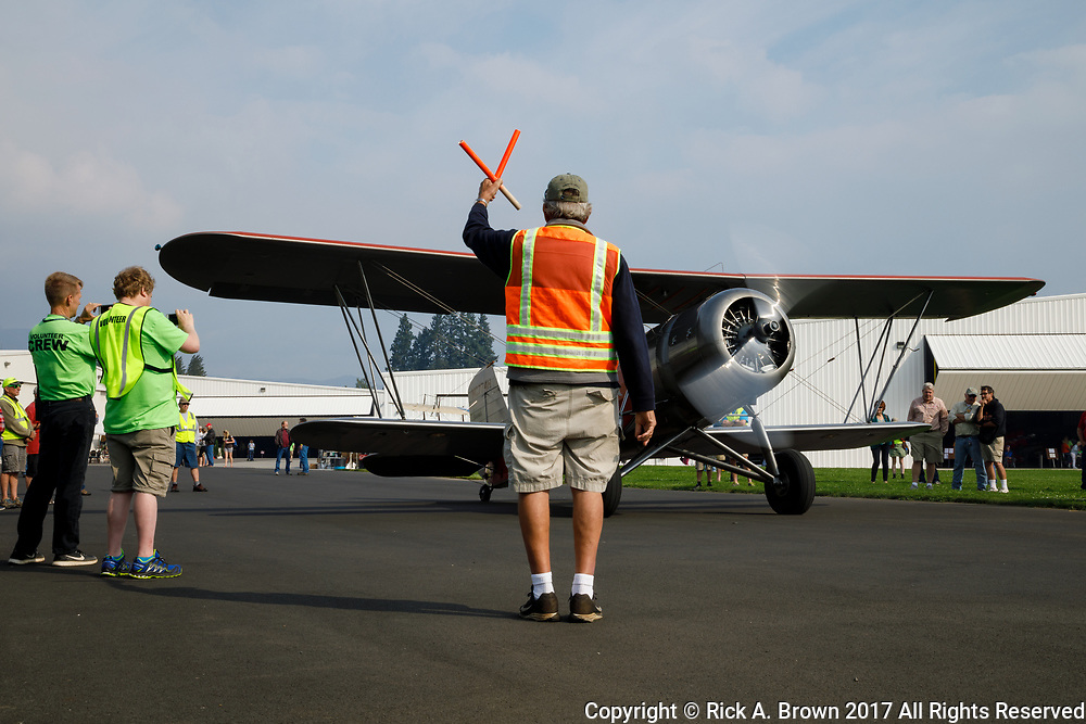 Stearman 4D Junior Speedmail taxi test at 2017 Hood River Fly-In.