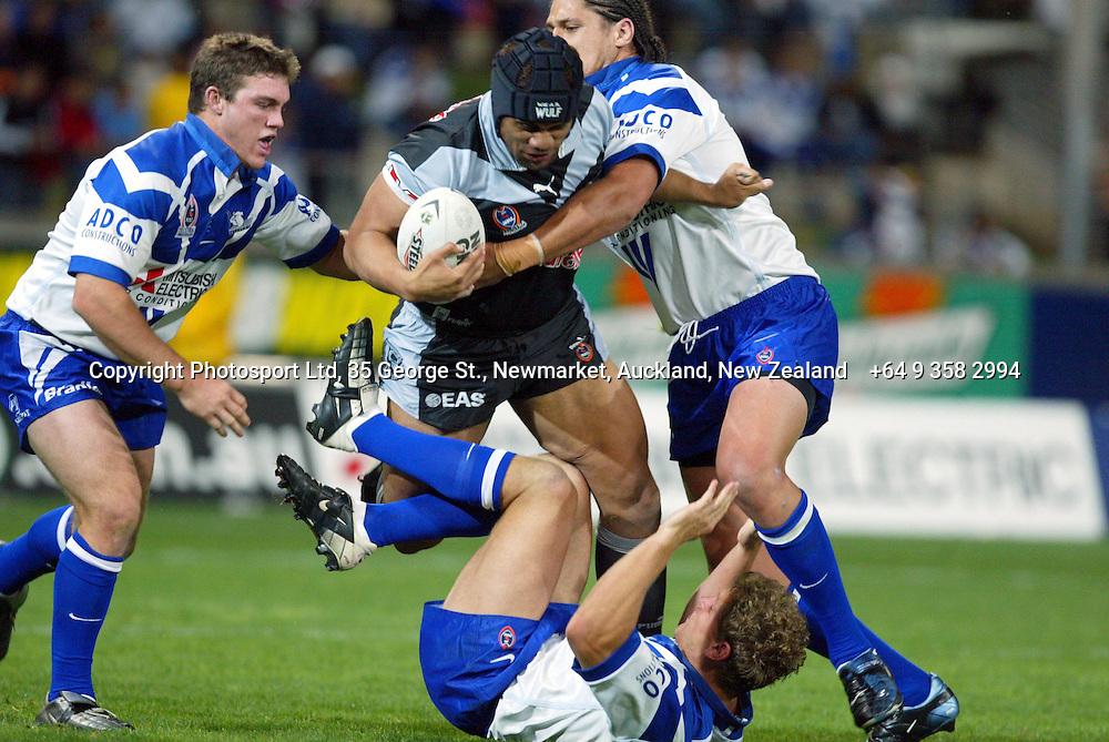 13 September 2003, Rugby League NRL Playoffs, Canterbury Bulldogs v New Zealand Warriors, Sydney Showgrounds, Australia.<br />Iafeta Palea'aesina. Warriors won 48-22.<br />Pic: Sandra Teddy/Photosport