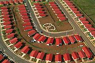 Panamá es la capital de la República de Panamá,de la provincia de Panamá y cabecera del distrito homónimo.<br /> <br /> Es la ciudad más grande y poblada del país, alcanzando oficialmente los 880.691 habitantes dentro de su municipio9 y 1.206.792 habitantes en su área metropolitana, la cual incluye a varias jurisdicciones como la ciudad-distrito de San Miguelito. <br /> <br /> Está localizada a orillas del golfo de Panamá, en el océano Pacífico, al este de la desembocadura del Canal de Panamá.<br /> <br /> Fundada el 15 de agosto de 1519 por Pedrarias Dávila cerca de una ranchería Cueva a la que llamaban Panamá, actualmente ocupa un área de 2245 km2. Como capital de la república, alberga la sede del Gobierno Nacional, junto a otras instituciones gubernamentales y una gran cantidad de embajadas y consulados debidamente acreditados.<br /> <br />  Está comunicada mediante el puerto de Balboa, el aeropuerto Internacional de Tocumen, la carretera Panamericana y una carretera transístmica (autopista Panamá - Colón), que une en 78,9 km la ciudad con la costa del mar Caribe.<br /> <br /> La ciudad es el principal centro cultural y económico del país, posee una intensa actividad financiera y un centro bancario internacional,actualmente ocupa la 7ª posición en la versión 2010 de la clasificación de las Ciudades Más Competitivas de América Latina.<br /> <br />  El Canal de Panamá y el turismo son también notables fuentes de ingreso para la economía de la ciudad, que cuenta con un clima tropical, junto a parques naturales y otros atractivos lugares de interés. <br /> <br /> Su amplia oferta cultural y gastronómica hizo que fuera elegida como Capital Americana de la Cultura en el año 2003 (conjuntamente con Curitiba, Brasil).<br /> <br />  Ocupa la posición no. 93 mundial y la 6ta en la región, en las ciudades con mejor calidad de vida en el 2010<br /> <br /> ©Alejandro Balaguer/Fundación Albatros Media.