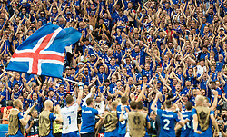 22.06.2016, Stade de France, St. Denis, FRA, UEFA Euro 2016, Island vs Oesterreich, Gruppe F, im Bild Island Fans jubeln mit ihrer Mannschaft // Iceland Supporters celebrate with their Team during Group F match between Iceland and Austria of the UEFA EURO 2016 France at the Stade de France in St. Denis, France on 2016/06/22. EXPA Pictures © 2016, PhotoCredit: EXPA/ JFK