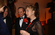 Marquess of Salisbury, the Marquess and Marchioness of Doura. National Portrait Gallery  150th Anniversary Fundraising Gala. National Portrait Gallery. London. 28 February 2006. ONE TIME USE ONLY - DO NOT ARCHIVE  © Copyright Photograph by Dafydd Jones 66 Stockwell Park Rd. London SW9 0DA Tel 020 7733 0108 www.dafjones.com
