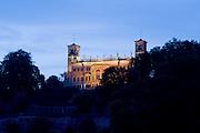 Elbe, Schloss Albrechtsberg bei Daemmerung, Dresden, Sachsen, Deutschland.|.Dresden, Germany, river Elbe, Castle Albrechtsberg at dusk
