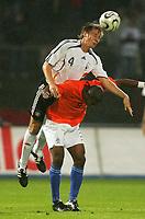 Fotball<br /> Landskamp U21<br /> Tyskland v Nederland<br /> 15.08.2006<br /> Foto: Witters/Digitalsport<br /> NORWAY ONLY<br /> <br /> v.l. Markus Brzenska, Ryan Babel Niederlande<br /> Laenderspiel U-21 Deutschland - Niederlande