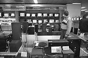 Nederland, Nijmegen, 11-5-1985Een winkel in elektronica. Televisies, stereosets, platenspelers.Foto: Flip Franssen/Hollandse Hoogte