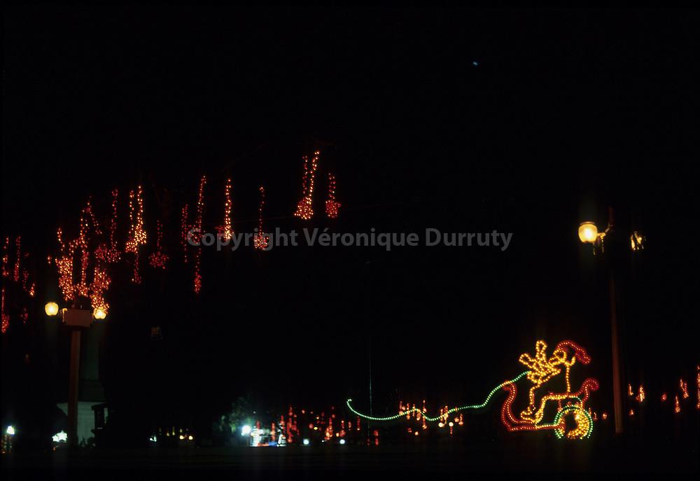 CHRISTMAS LIGHTS, MANILA, THE PHILIPPINES
