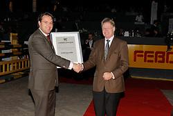 L'Année Hippique award presented to Mr. Frank Kemperman (CHIO Aachen)<br /> CSI Maastricht 2008<br /> Photo © Hippo Foto