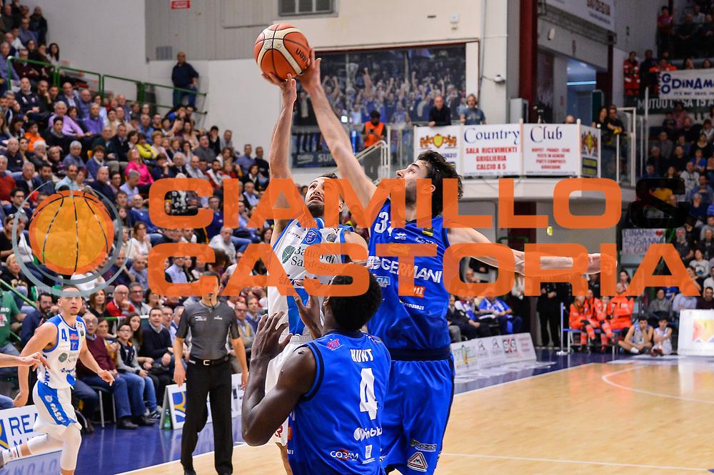 Rok Stipcevic, Michele Vitali<br /> Banco di Sardegna Dinamo Sassari - Germani Basket Leonessa Brescia<br /> Legabasket Serie A LBA PosteMobile 2017/2018<br /> Sassari, 08/04/2018<br /> Foto L.Canu / Ciamillo-Castoria