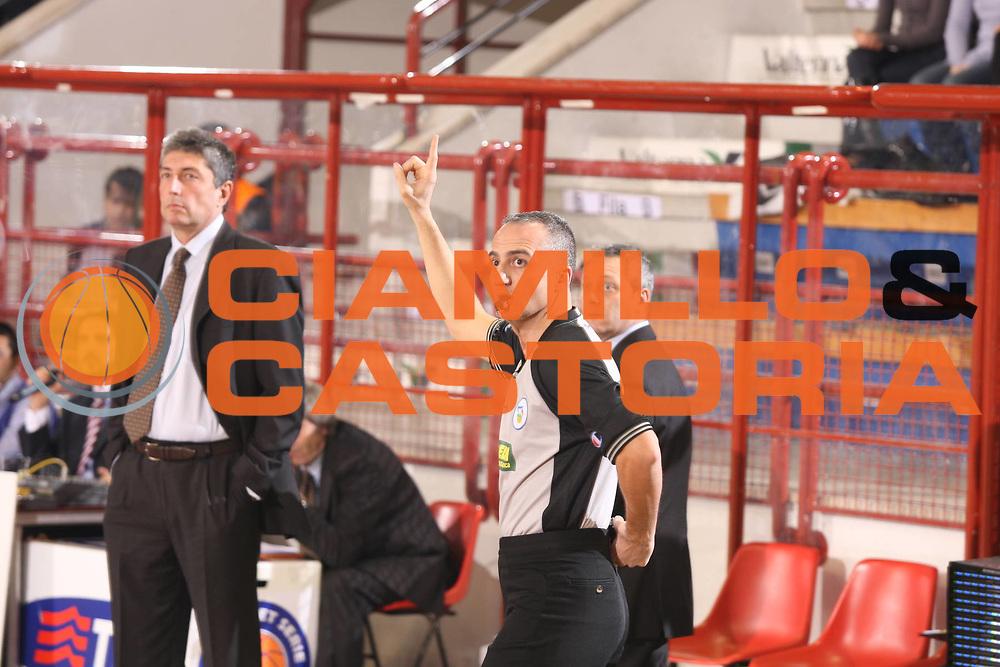 DESCRIZIONE : Porto San Giorgio Lega A1 2008-09 Premiata Montegranaro Eldo Caserta<br /> GIOCATORE : Arbitro<br /> SQUADRA : <br /> EVENTO : Campionato Lega A1 2008-2009<br /> GARA : Premiata Montegranaro Eldo Caserta<br /> DATA : 20/12/2008<br /> CATEGORIA : arbitro <br /> SPORT : Pallacanestro<br /> AUTORE : Agenzia Ciamillo-Castoria/G.Ciamillo