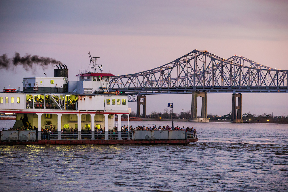 A ferry crosses the Mississippi River. ©Kathy Anderson Photography, All Rights Reserved