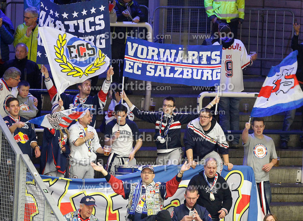 21.11. 2014, Stadthalle, Villach, AUT, EBEL, EC VSV vs EC Red Bull Salzburg, 19. Runde, im Bild die Fans von RBS // during the Erste Bank Icehockey League 19th round match between EC VSV vs EC Red Bull Salzburg at the City Hall in Villach, Austria on 2014/11/21, EXPA Pictures © 2014, PhotoCredit: EXPA/ Oskar Hoeher