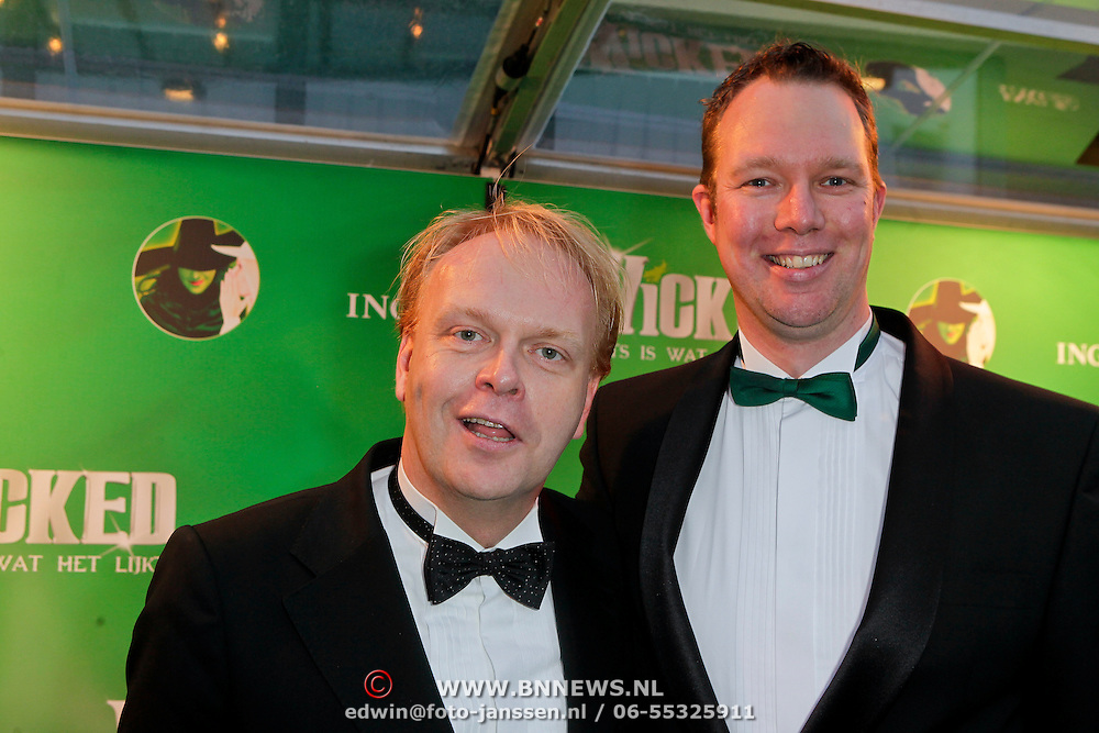 NLD/Scheveningen/20111106 - Premiere musical Wicked, Frits Huffnagel en ………..
