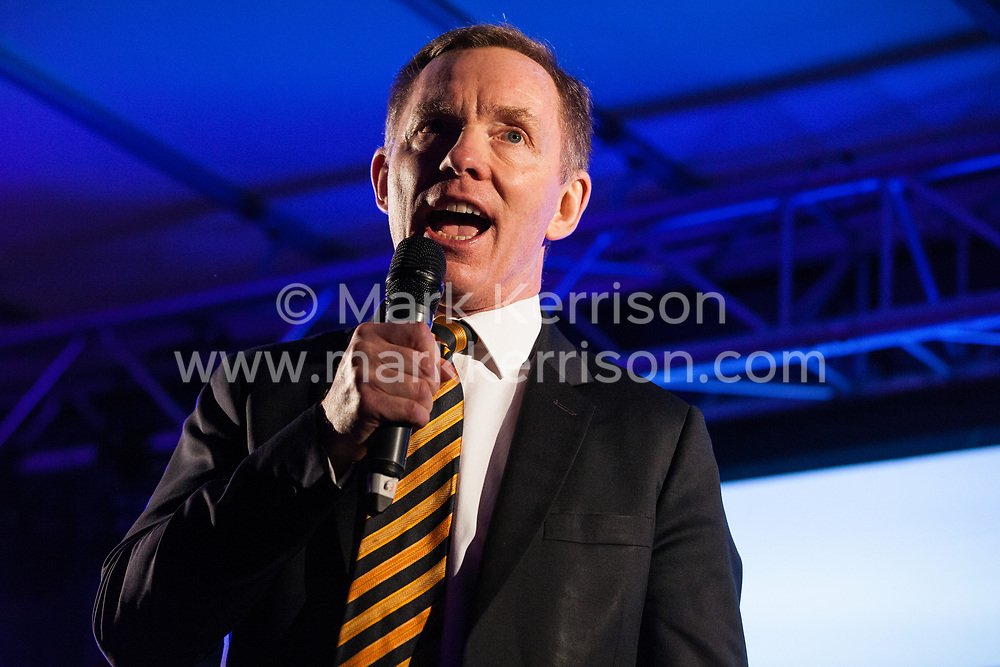 London, UK. 15th January, 2019. Chris Bryant, Labour MP for Rhondda, addresses pro-EU activists attending a People's Vote rally in Parliament Square as MPs vote in the House of Commons on Prime Minister Theresa May's proposed final Brexit withdrawal agreement.