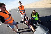 Iris Slappendel zit klaar voor de kwalificaties op maandagmorgen. Het Human Power Team Delft en Amsterdam, dat bestaat uit studenten van de TU Delft en de VU Amsterdam, is in Amerika om tijdens de World Human Powered Speed Challenge in Nevada een poging te doen het wereldrecord snelfietsen voor vrouwen te verbreken met de VeloX 7, een gestroomlijnde ligfiets. Het record is met 121,44 km/h sinds 2009 in handen van de Francaise Barbara Buatois. De Canadees Todd Reichert is de snelste man met 144,17 km/h sinds 2016.<br /> <br /> With the VeloX 7, a special recumbent bike, the Human Power Team Delft and Amsterdam, consisting of students of the TU Delft and the VU Amsterdam, wants to set a new woman's world record cycling in September at the World Human Powered Speed Challenge in Nevada. The current speed record is 121,44 km/h, set in 2009 by Barbara Buatois. The fastest man is Todd Reichert with 144,17 km/h.