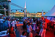 Disco im Biergarten am Narrenhäusl, Augustus Garten, Neustadt, Dresden, Sachsen, Deutschland.|.Disco in beer garden Am Narrenhaeusl, Augustus Garten, Neustadt, Dresden, Germany