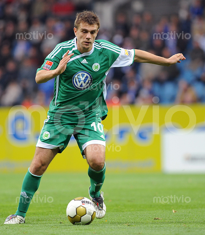 FUSSBALL  1. BUNDESLIGA   SAISON 2009/2010   8. SPIELTAG VfL Bochum - VfL Wolfsburg            03.10.2009 Zvjezdan MISIMOVIC (VfL Wolfsburg) Einzelaktion am Ball